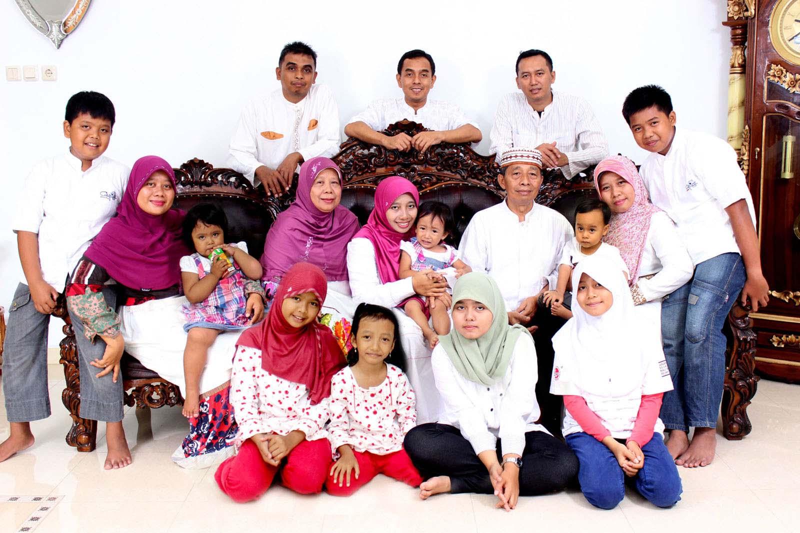 jasa foto keluarga bersahabat