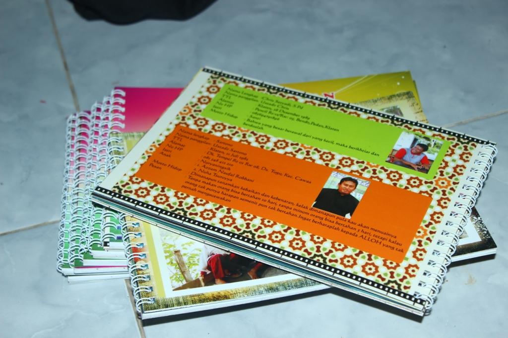 jasa desain buku tahunan sekolah